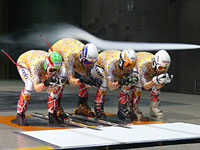 Skiing tests in wind tunnel